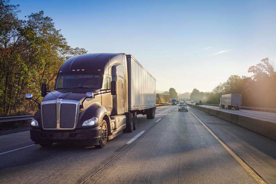 What To Look For In a Commercial Truck Insurance Company